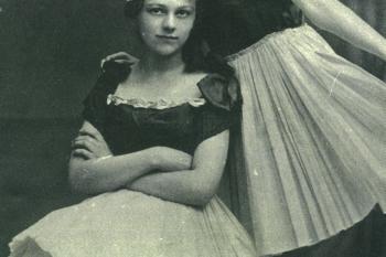 Claire Beck a Ilse von Henning (stojící vpravo) spolu chodily na základní školu